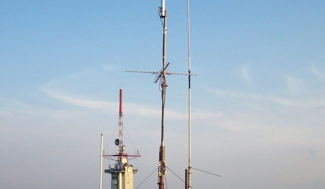 Prace konserwacyjne masztu i anten w Katowicach